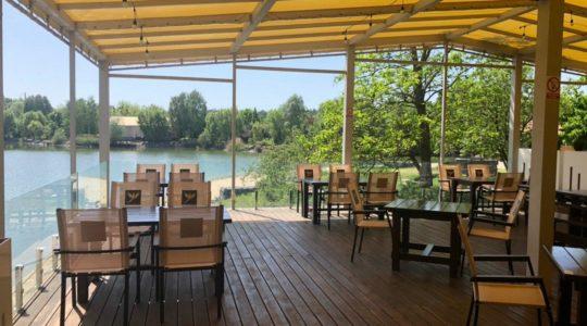 Ресторан с террасой - Два Бобра